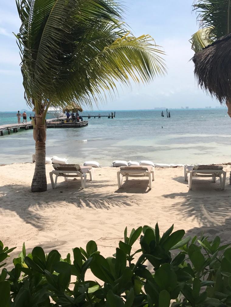 To Create Sunshine beach on Isla Mujeres
